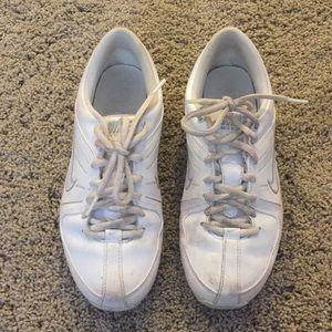 White nike mix down 3 cheer sneaker